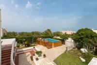 Villa with beach access