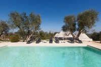 Ostuni trulli with pool