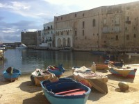 Monopoli city walk
